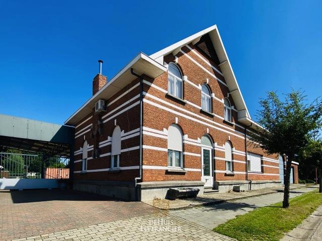 Villa Lint (2547)